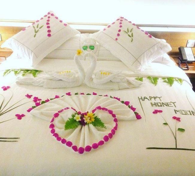 Hideaway Beach Romantic Bedroom Design Romantic Decor Bed Decor