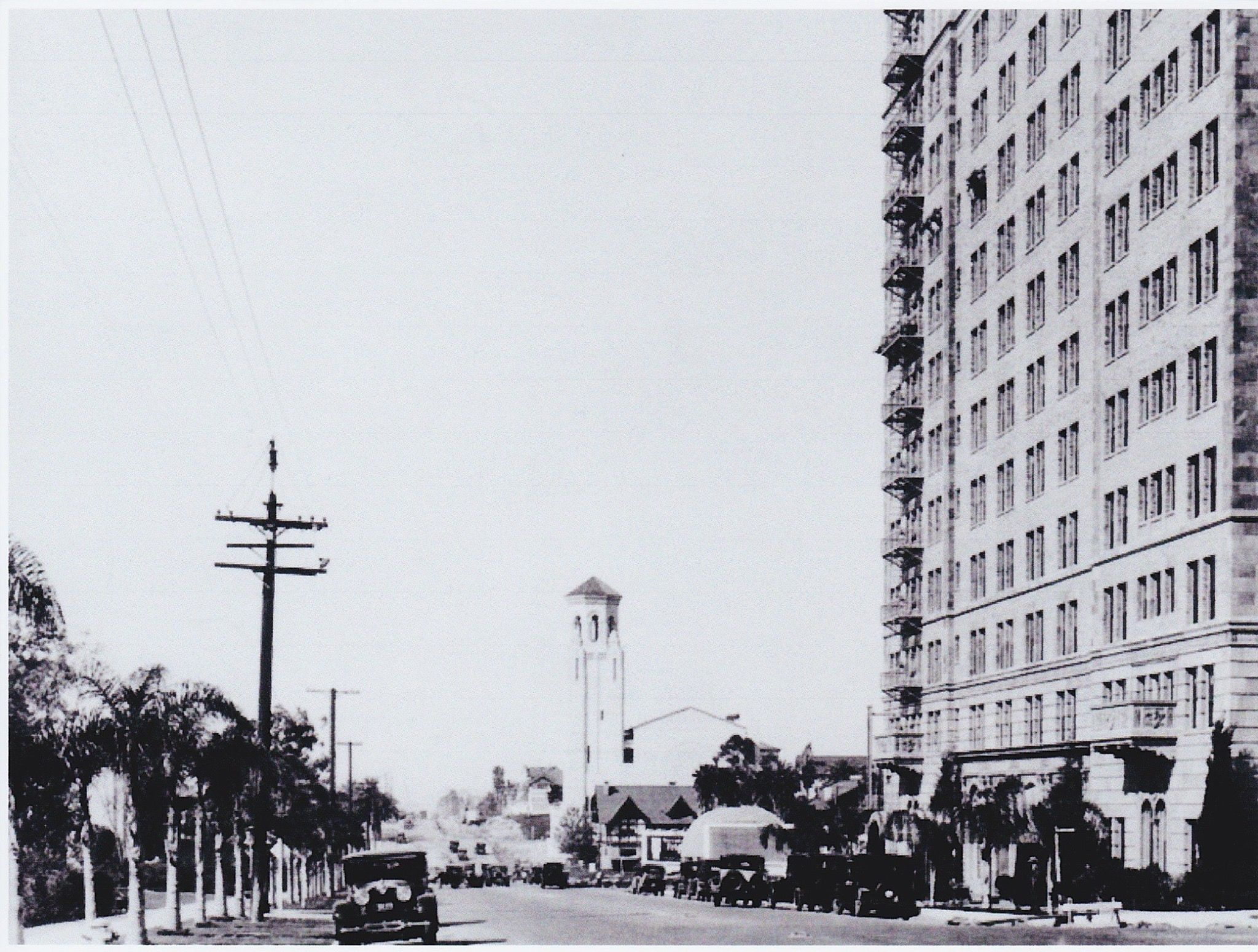 1925 Wiltshire Center With The Gaylord Apartments On The Right · Los  AngelesApartments