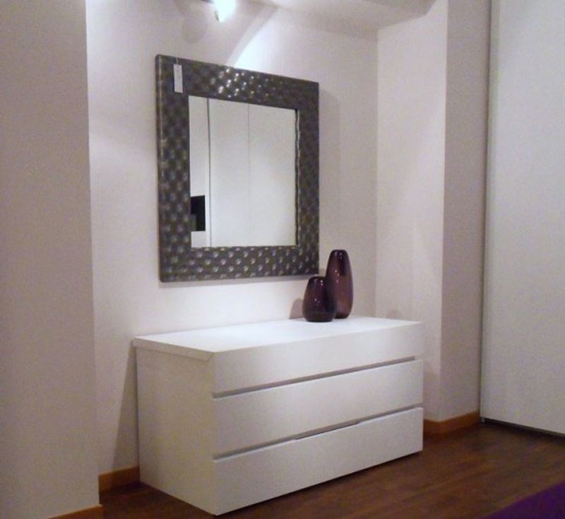Purple And White In The Stylish Minimalist Bedroom Layout Dressing Table With Mirror