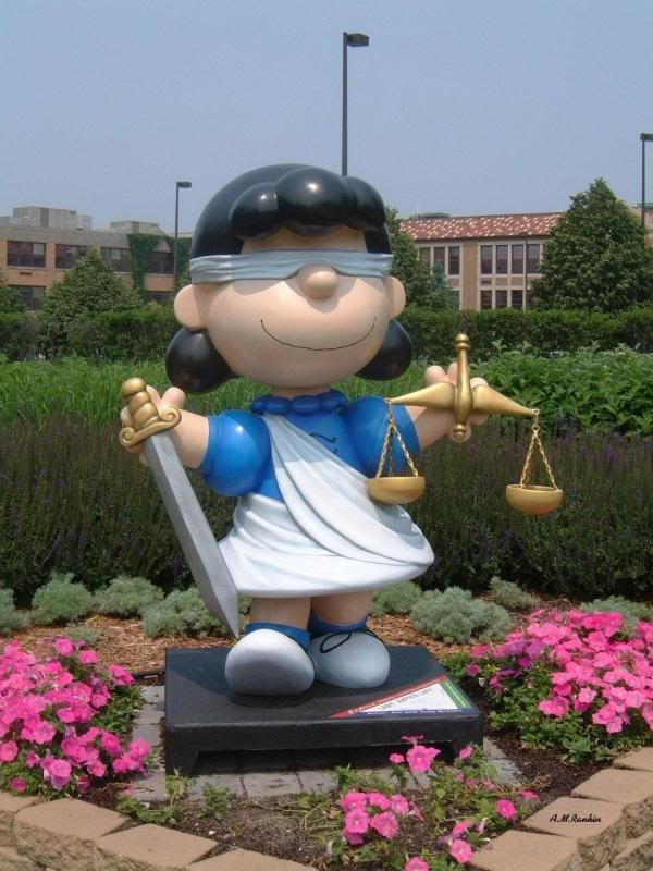 Lady Justice Lucy (Peanuts) - William Mitchell College of Law