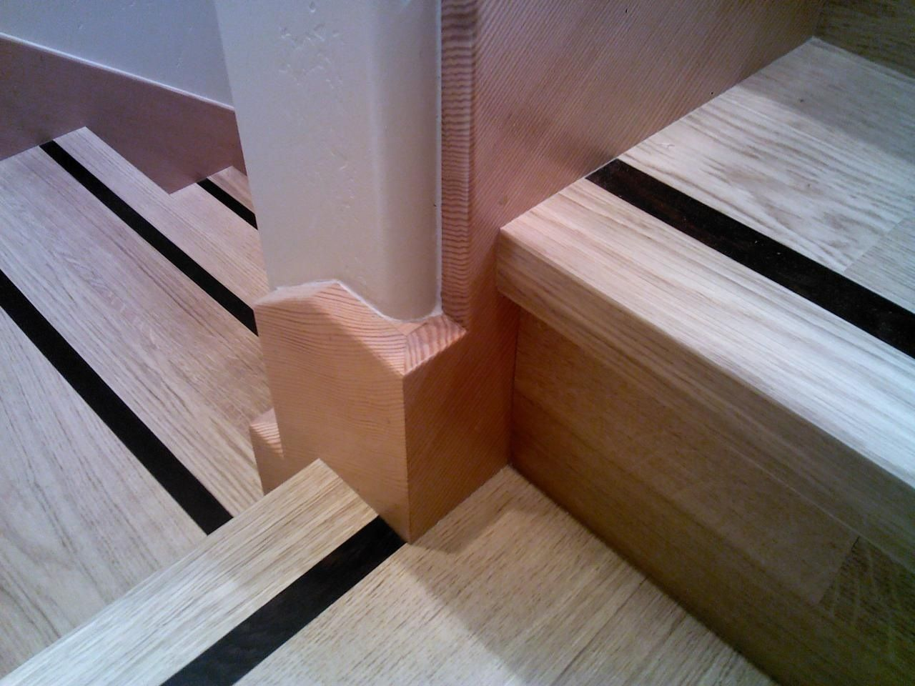 Best We Installed This Dark Wood Feature Str*P In The Stair 640 x 480