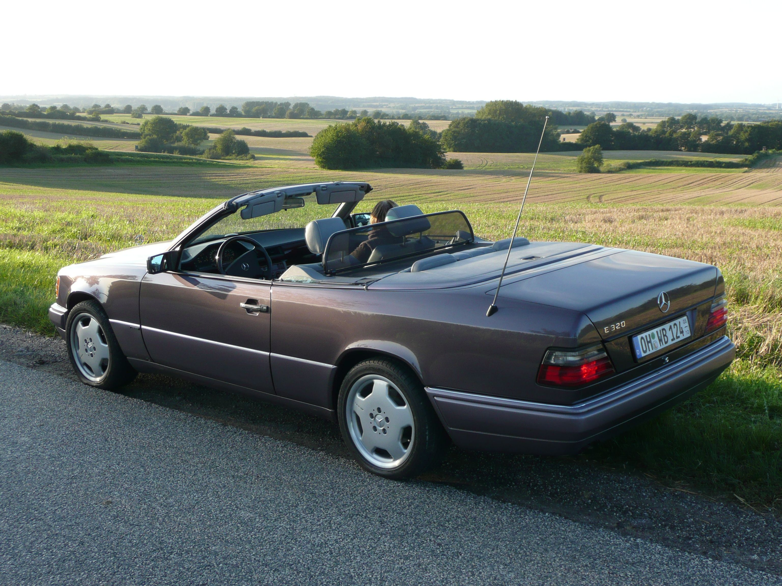 mercedes w124 e320 cabrio best mass market cars. Black Bedroom Furniture Sets. Home Design Ideas