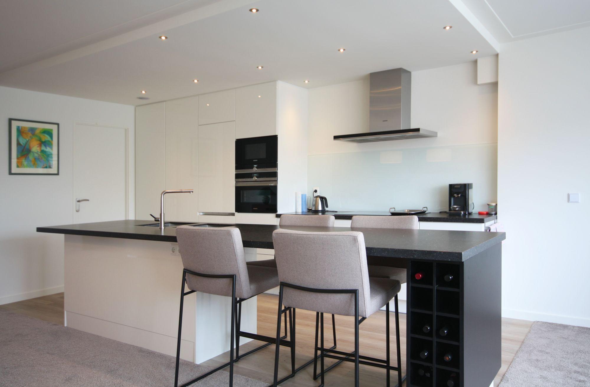 Led Spots Keuken : Maatwerk keuken verlaagdplafond met dimbare ledspots en 4