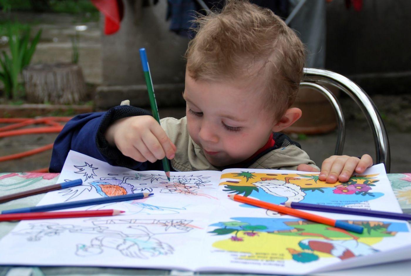 Новым годом, картинки рисуют дети
