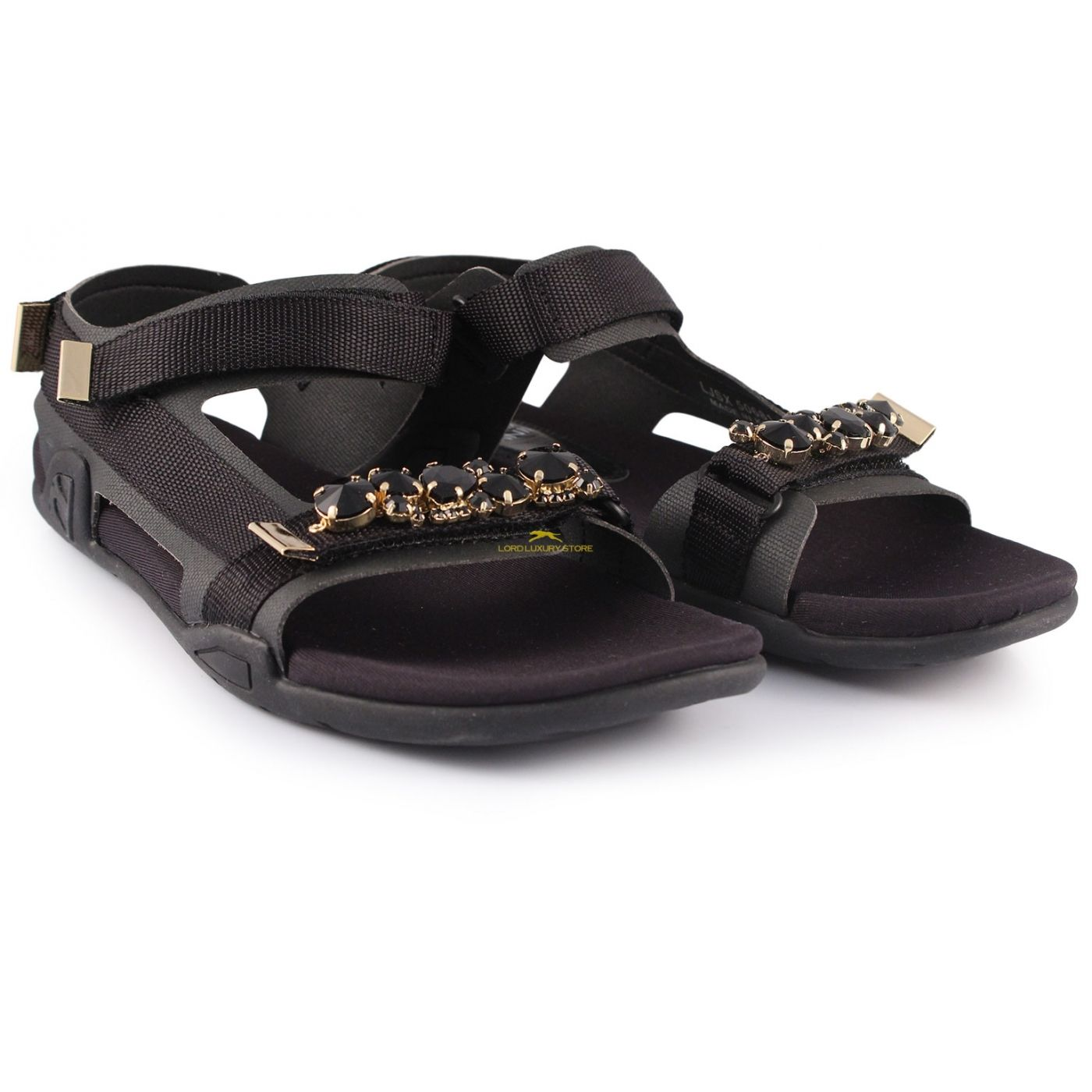 SUECOMMA BONNIE : sandali con suola in gomma, impreziositi con pietre nere per un' esplosione di allegria e di comodità! #sandali #sandaliestate2015 #sandaliSueCommaBonnie #sandaliconpietremulticolor #MontorsiGiorgioboutique