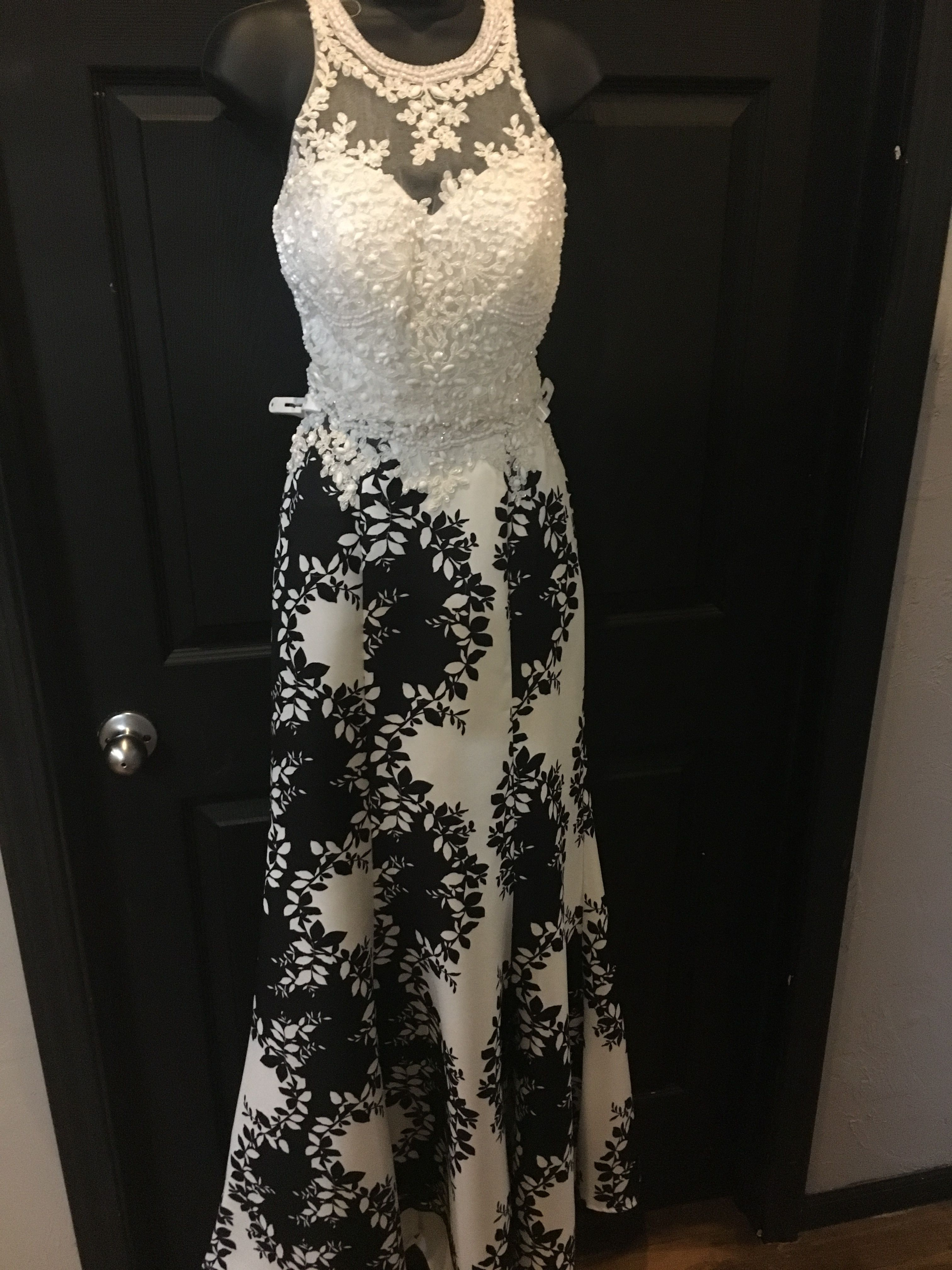 Beautiful 2 Piece Prom Dress White Lace Top And A White Skirt With Black Floral Pattern Bottom Piece Prom Dress Prom Dresses 2 Piece Prom Dress [ 4032 x 3024 Pixel ]
