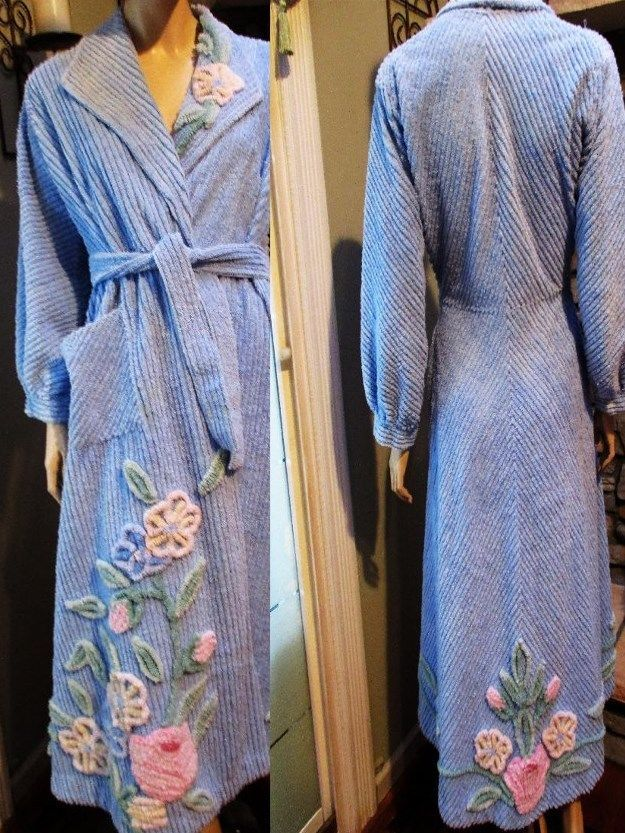 d911e0a1a12a GORGEOUS 1950s VINTAGE pastel floral BEDSPREAD CHENILLE ROBE lounge bathrobe  MED