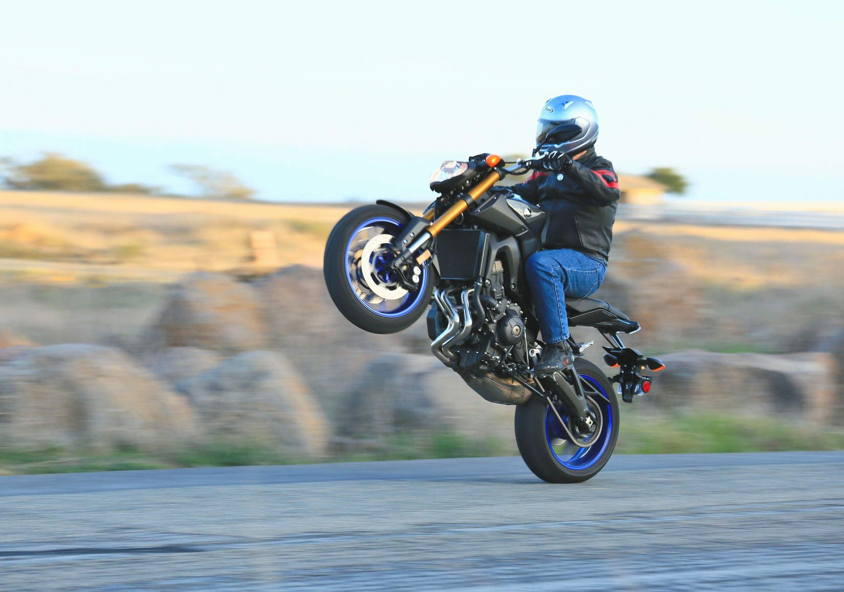 2014 Yamaha FZ-09   First Ride Review and Images   Riders