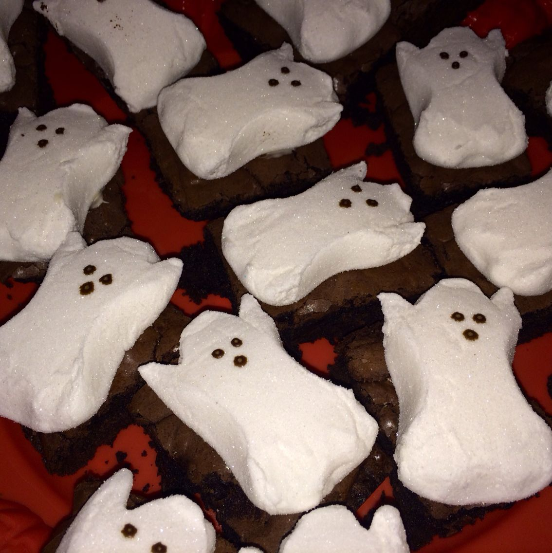 Halloween treats for kids class   | Halloween brownies | ghost brownie | ghost peeps | fun Halloween treats | Halloween desserts