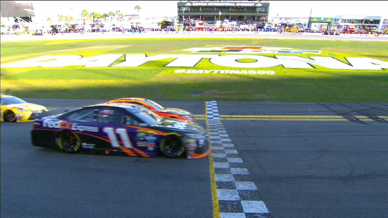 Closest finish in Daytona 500 history https//youtu.be