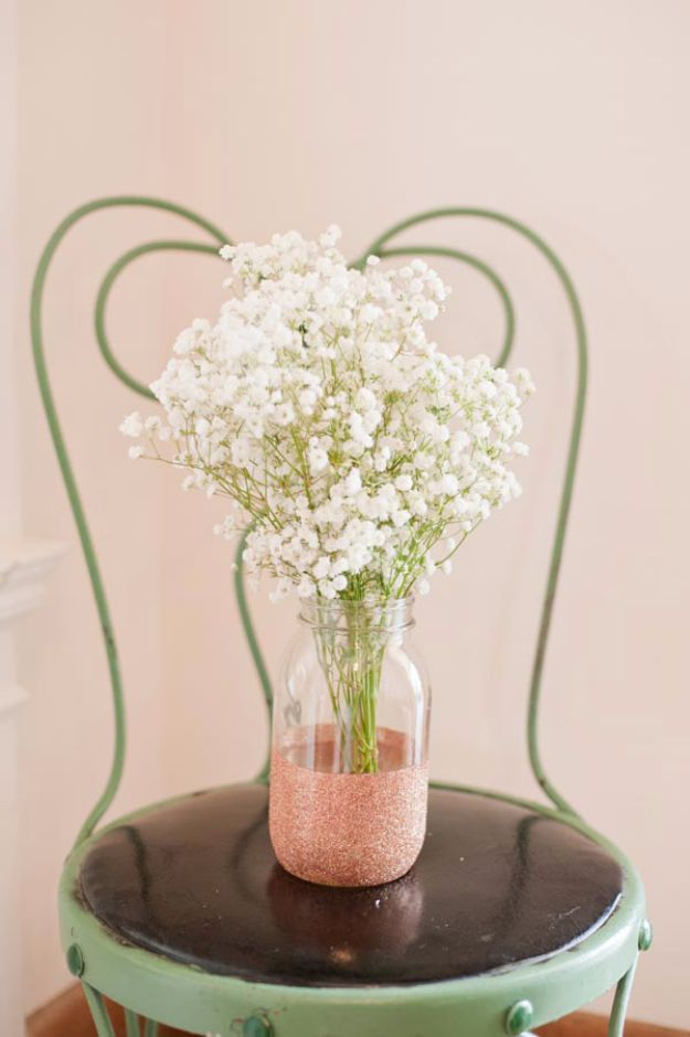 33 best diy wedding centerpieces you can make on a budget glitter 33 best diy wedding centerpieces you can make on a budget solutioingenieria Image collections