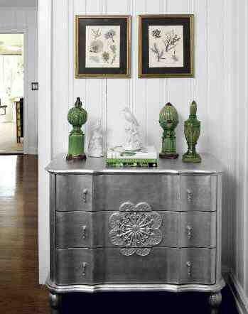 peinture argent e pour redonner un coup de neuf une. Black Bedroom Furniture Sets. Home Design Ideas