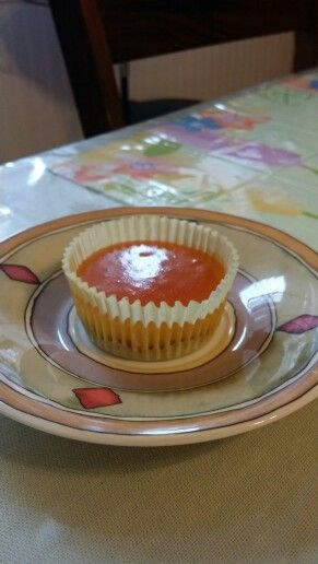 Cheesecake with an apricot and brandy topping