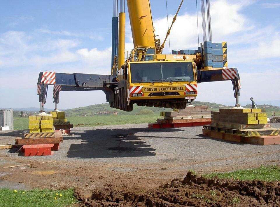 Cranes Are Used To Lift The Heavy Materials Crane Safety