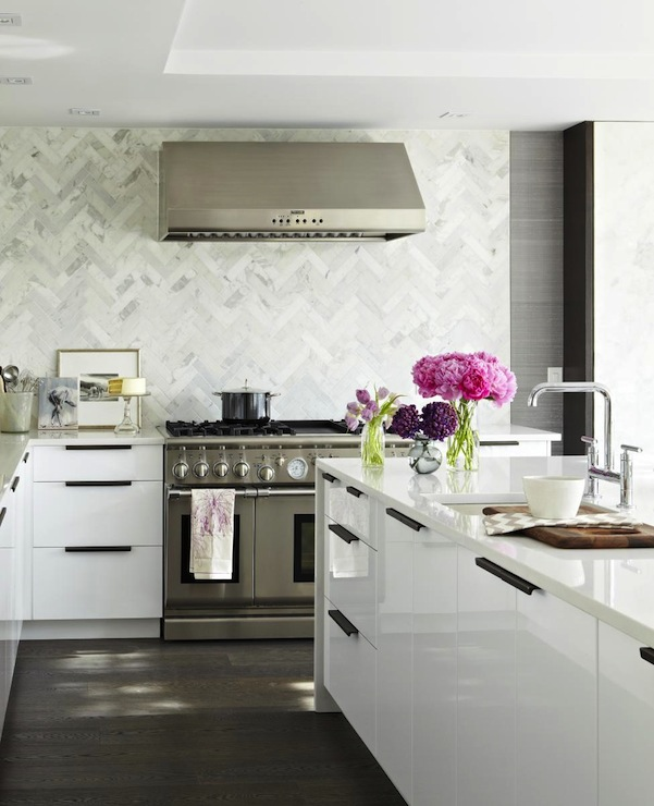 Croma Design: Virginia Macdonald Photography   Stunning Kitchen Design With  Marble Chevron Herringbone .