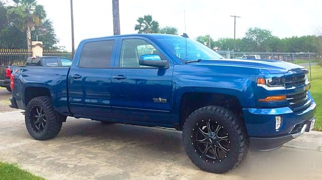 Black Rims Really Look Nice With This Blue Color Chevy