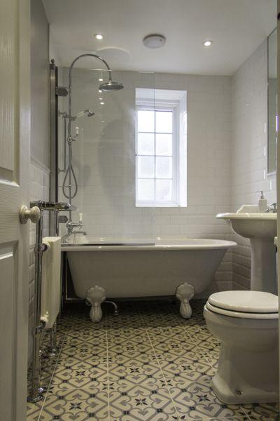 Image Carrelage salle de bain de knowelle hallway du tableau shelter. | Salle de bains années 30 ...