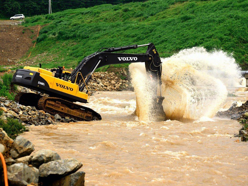 Excavator Rental in San Diego County, CA from Volvo Rents ...