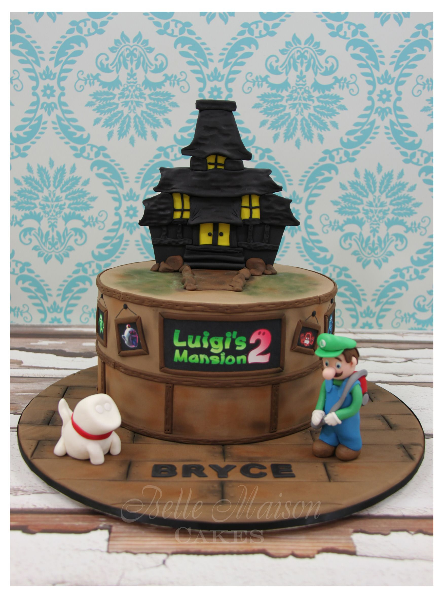 Luigis Mansion Cake