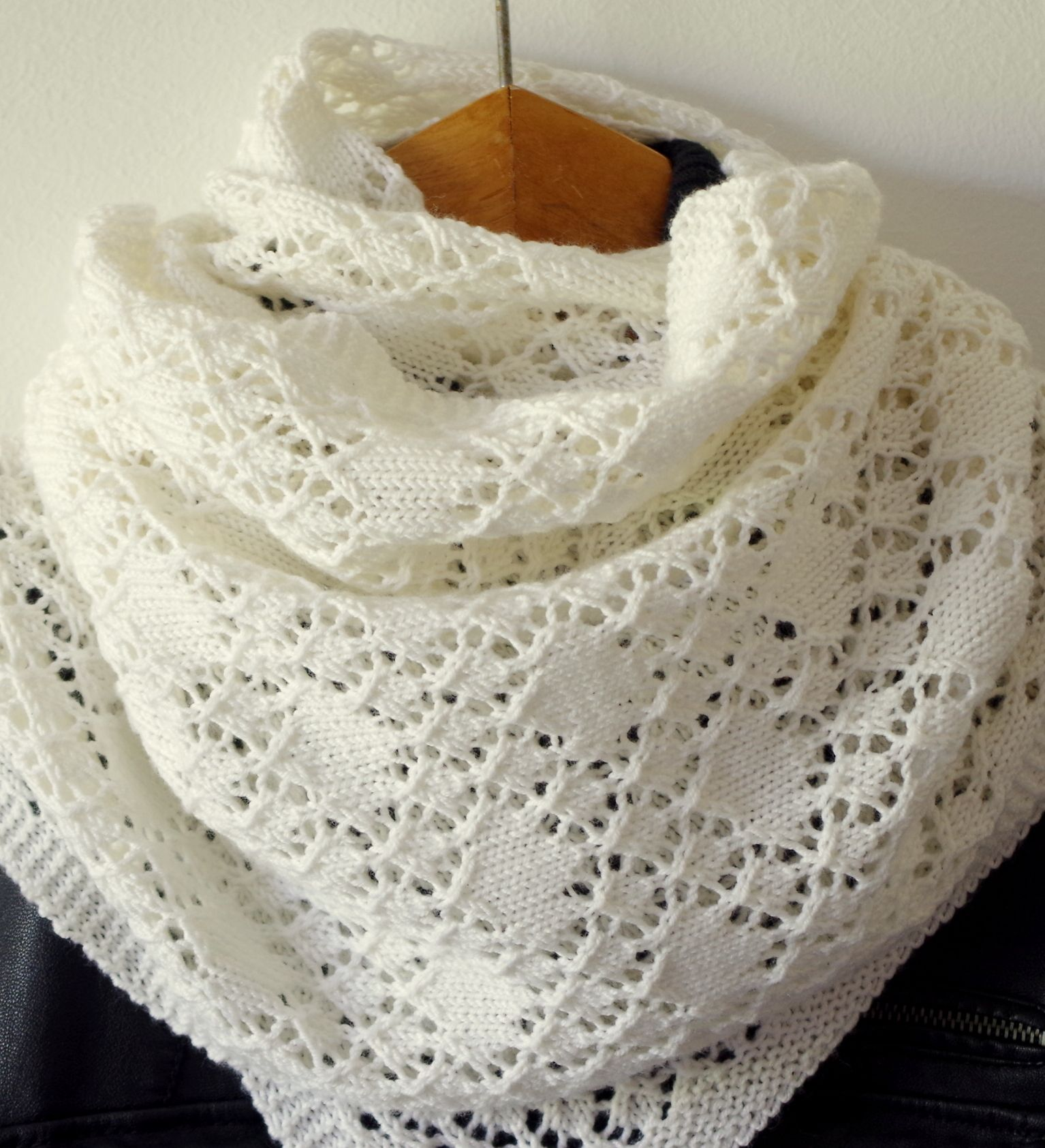 Shawl of Solitaire pattern | Chal, Tejido y Dos agujas
