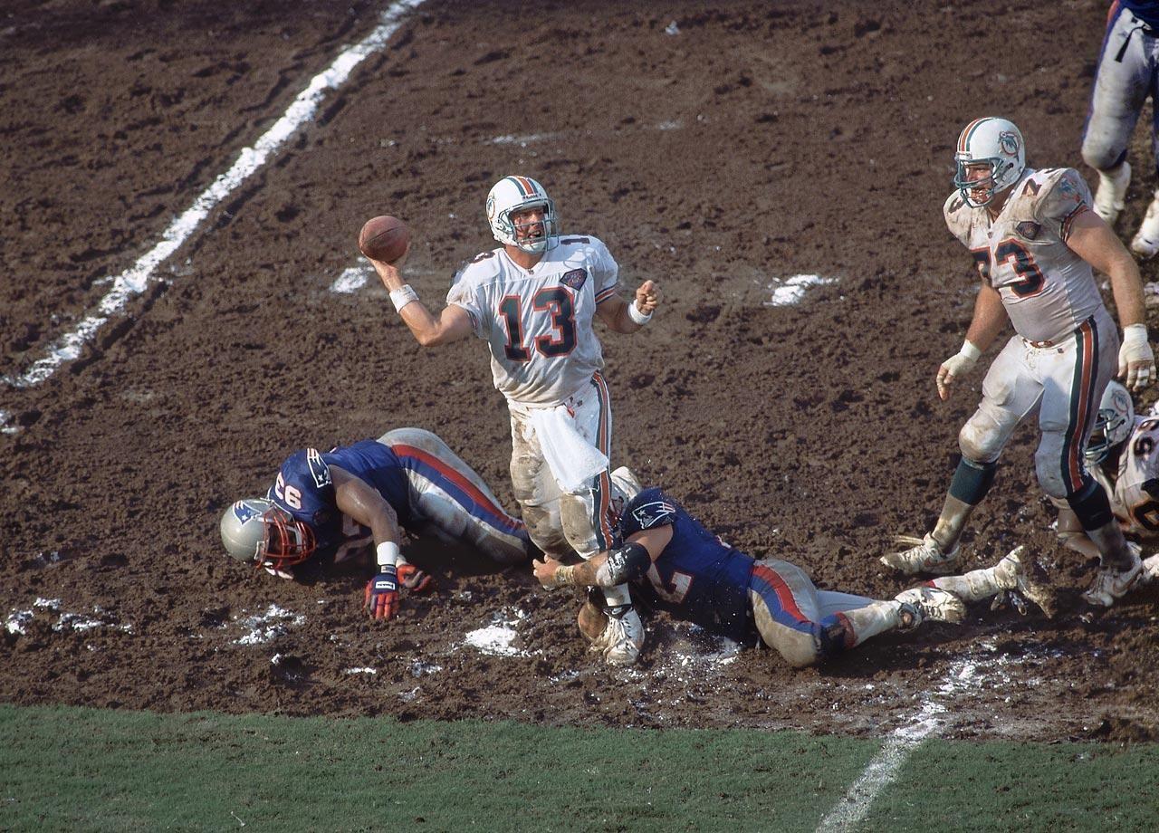 Classic Si Photos Of Dan Marino Dan Marino Miami Dolphins Football New England Patriots