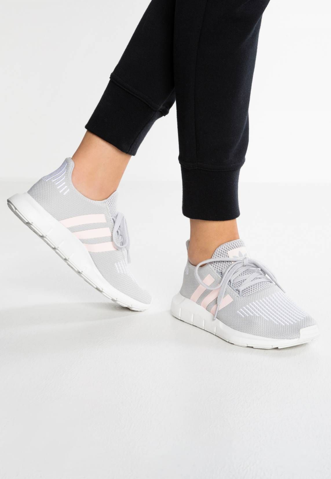 adidas Originals. SWIFT RUN - Sneaker