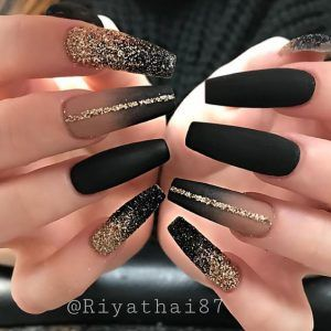 Black Acrylic Nails In 2020 With Images Gold Acrylic Nails