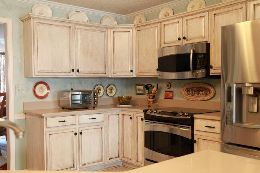 Kitchen Gets a Makeover with General Finishes
