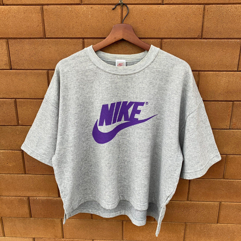Vintage 1987 1992 Nike Crop Top Sweatshirt Big Logo Nike Etsy Nike Crop Top Crop Top Sweatshirt Nike Crewneck Sweatshirt Vintage [ 3000 x 3000 Pixel ]