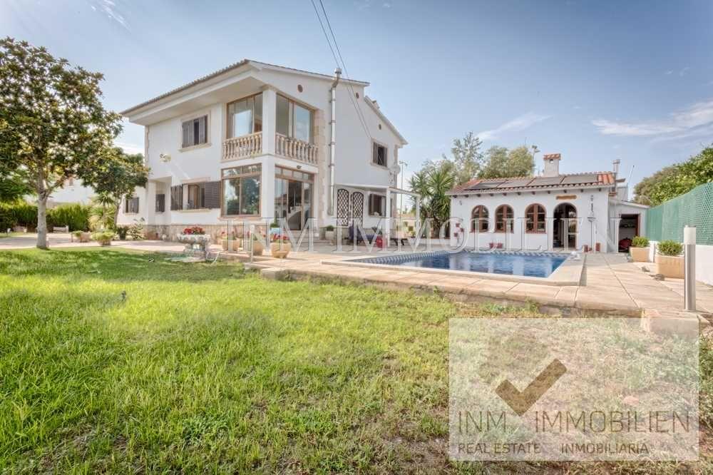 Palma De Mallorca Verkauf 450m Haus Mit 8 Zimmern Garten Pool Sauna Zu Verkaufen 850000 Eur Palma De Mal In 2020 Haus Mieten Immobilien Mallorca Immobilien