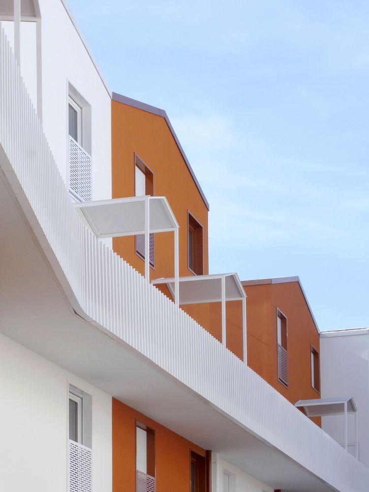 Gallery Of Cornerstone 71 Private Dwellings Bfv Architectes 11 Dwell Architecture Architecture Photography