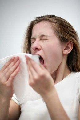 Home Remedies For A Sore Throat And The Common Cold Allergy Remedies Asthma Relief Natural Asthma Relief