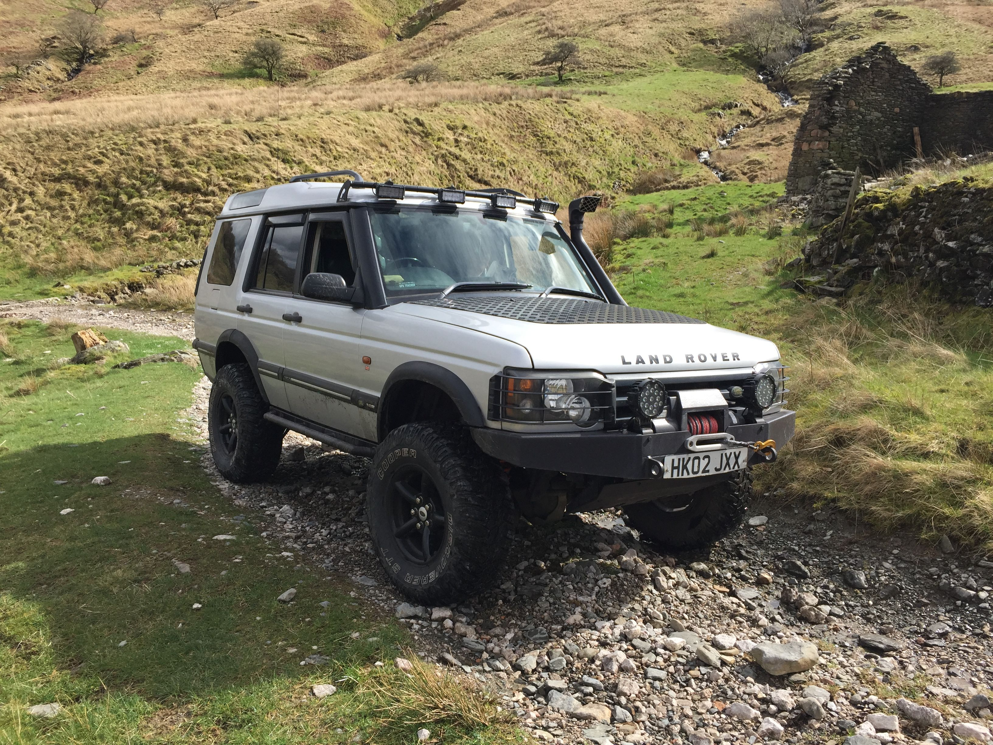 Land Rover Discovery 2 With A 4 Lift With 285 X75 X16 Wheels Land Rover Discovery 2 Land Rover Discovery Land Rover