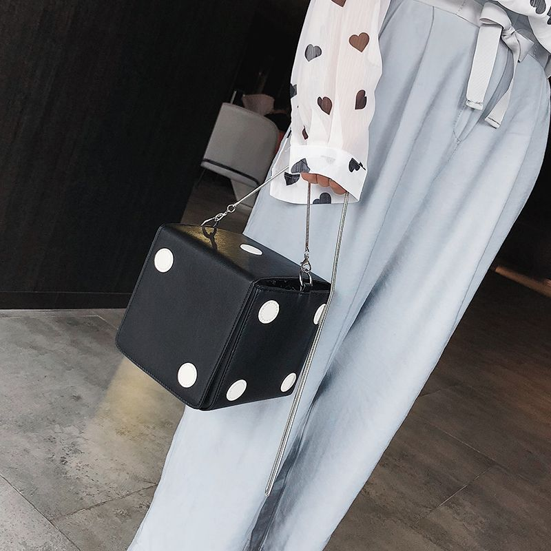 a5e5a9243 Compre Agora Bolsa Divertida em Forma de Dado eu estilo chique esta fadado  a seu um