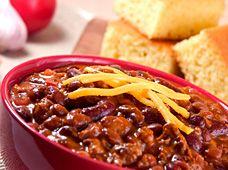 cornbread and chili mmmm :)