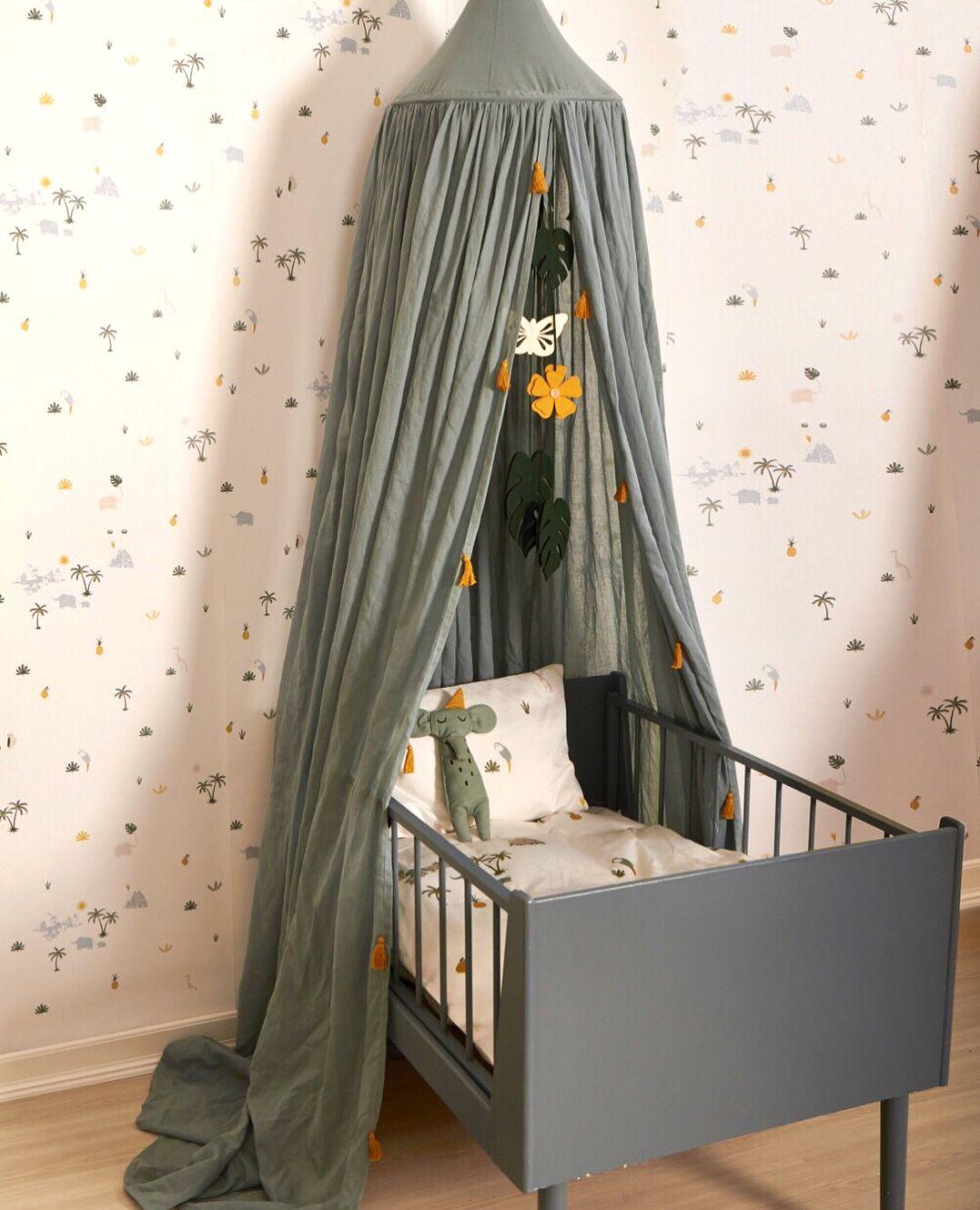Plein D Idees Pour Decorer La Chambre De Votre Bebe My Fantasyroom Les Plus Belles Images Pour La Deco De C Ciel De Lit Chambre Bebe Vert Lit Gris