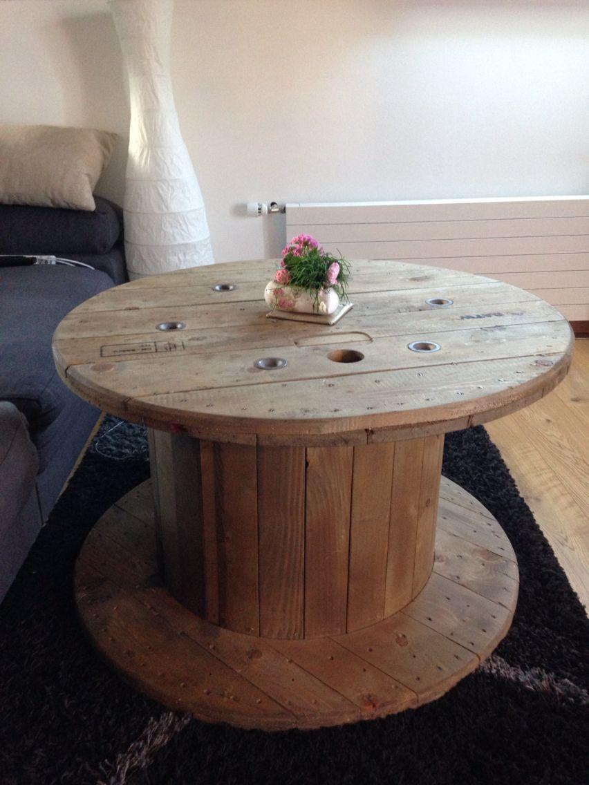 tisch aus bobine basteln pinterest tisch und basteln. Black Bedroom Furniture Sets. Home Design Ideas