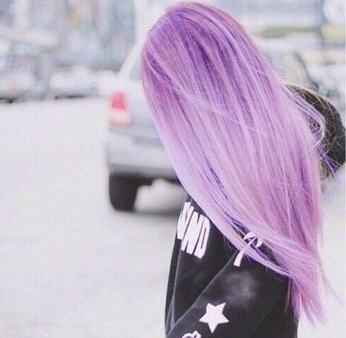 Imagem via We Heart It https://weheartit.com/entry/163757481 #beautiful #girl #hair #sweater