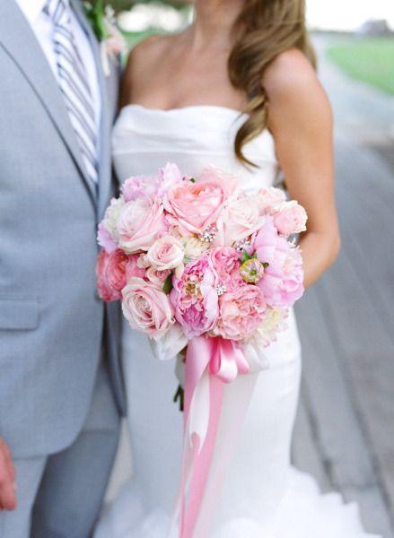 pink wedding bouquet !!