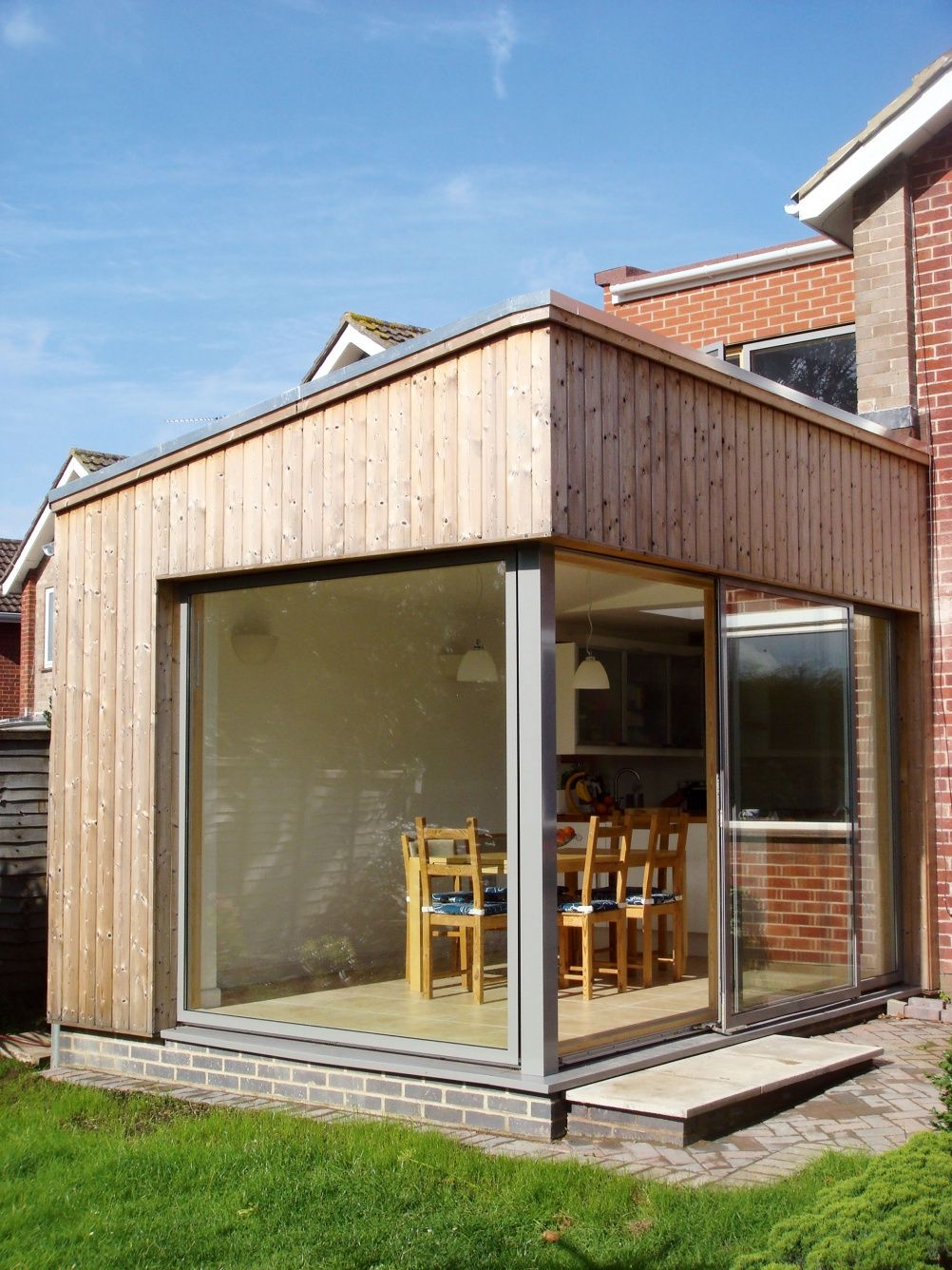 Single Storey House Design: Wooden Cladding Extension