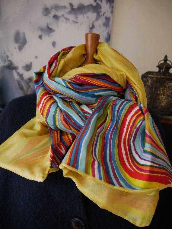 cb9311b4a814 Long foulard cheche voile de coton indien rayures psychadéliques 70 s  réversible soie jaune