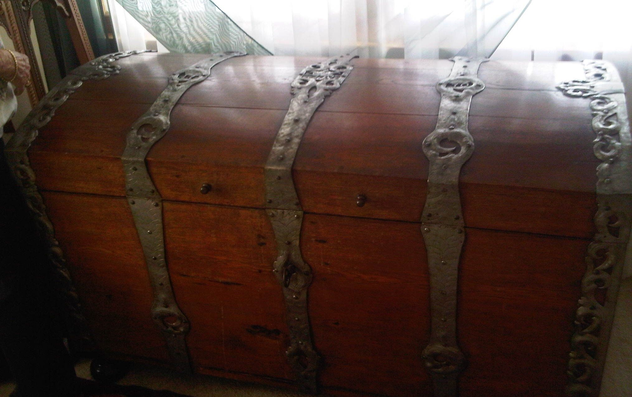 Artmetal Ideas Www Aias Se Domed Wood Chest Or Trunk W Metal Straps ин Auction In Sweden