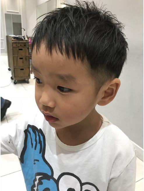 キッズカット ツーブロック L021973128 ネオリーブギンザ Neolive Ginza のヘアカタログ ホットペッパービューティー こども 髪型 こども ヘアスタイル キッズカット