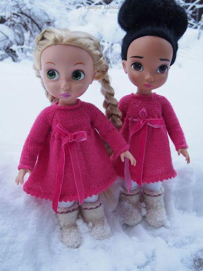 pink, knit dresses with velvet ribbon