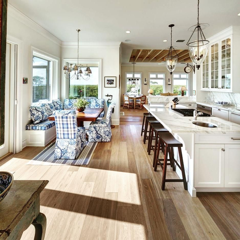 The Kitchen Banquette Opposite The Expansive Island Makes For An Ideal Social Centre In This Bright Home Whet Kitchen Design Kitchen Remodel Home Decor Kitchen