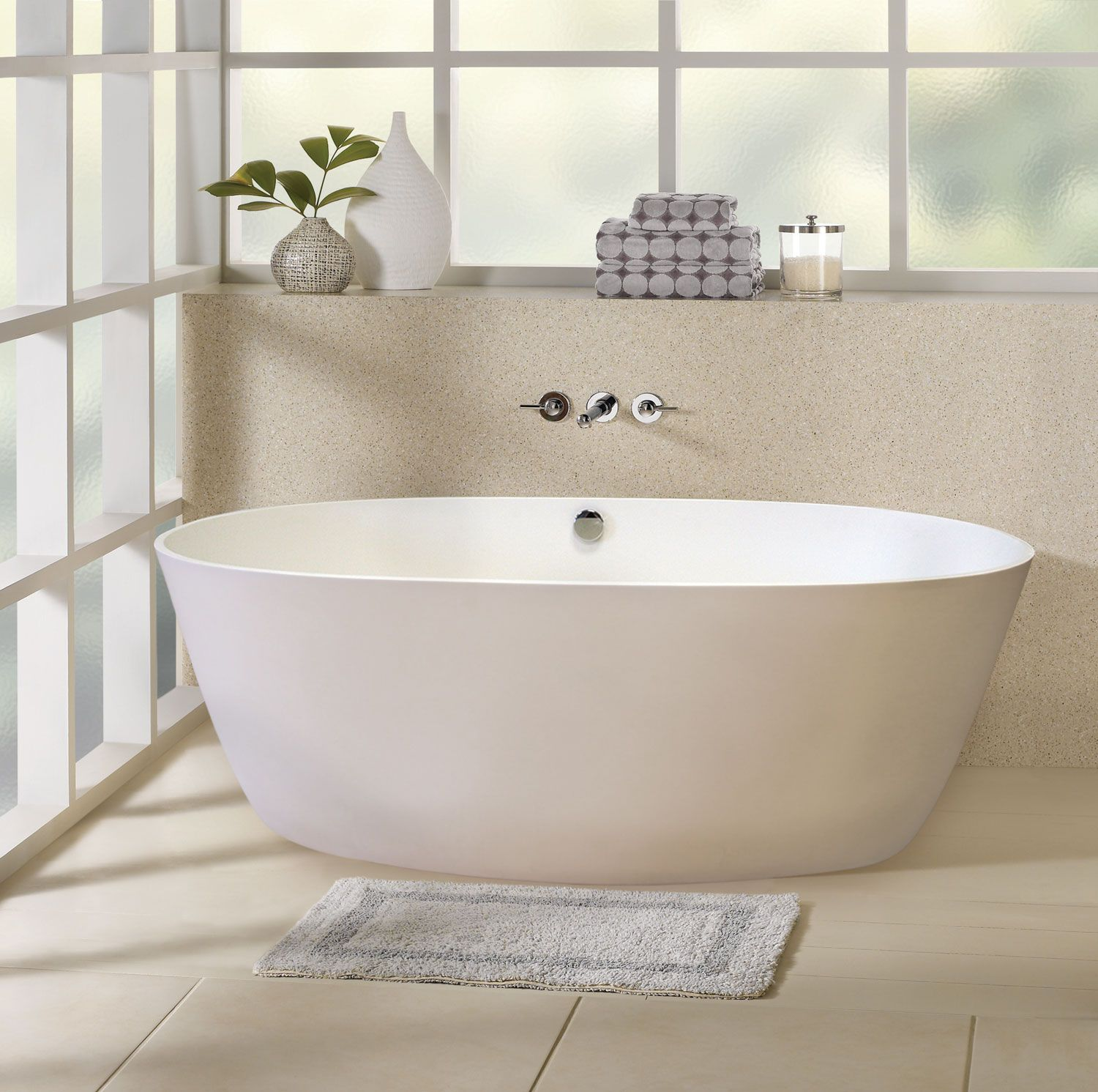 Best Bathroom Design Ideas with White Oval Freestanding Bathtub and ...