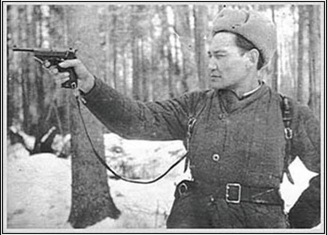 Hero of the WW II Kazakh Bauyrzhan Momyshuly was one of the commanders of general Panfilov's devision which defend Moscow
