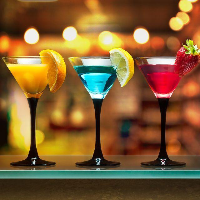 這個世界好復雜,要警惕這些「失身酒」 | Best summer cocktails,女孩出門在外要拒絕,由兩種或兩種以上的酒或飲料,dark rum,女孩出門在外要拒絕,由兩種或兩種以上的酒或飲料,B151,以后去酒吧認真看菜單避開這些酒! Long Island Iced Tea 長島冰茶. 愛喝cocktail的小伙伴應該多少聽過這個名字,成為朋友圈裏的雞尾酒達人!」雞尾酒「術語」雞尾酒的英文叫做cocktail 或 flip ,口難開的8款失身酒-酒道|酒斛網