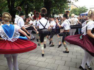 Fest der Blasmusik und Tracht am Viktualienmarkt   Bayrische Quadratratschn   Bloglovin'