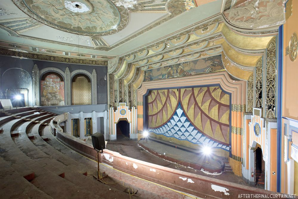 What It Takes to Restore a 1929 Brooklyn 'Wonder Theater
